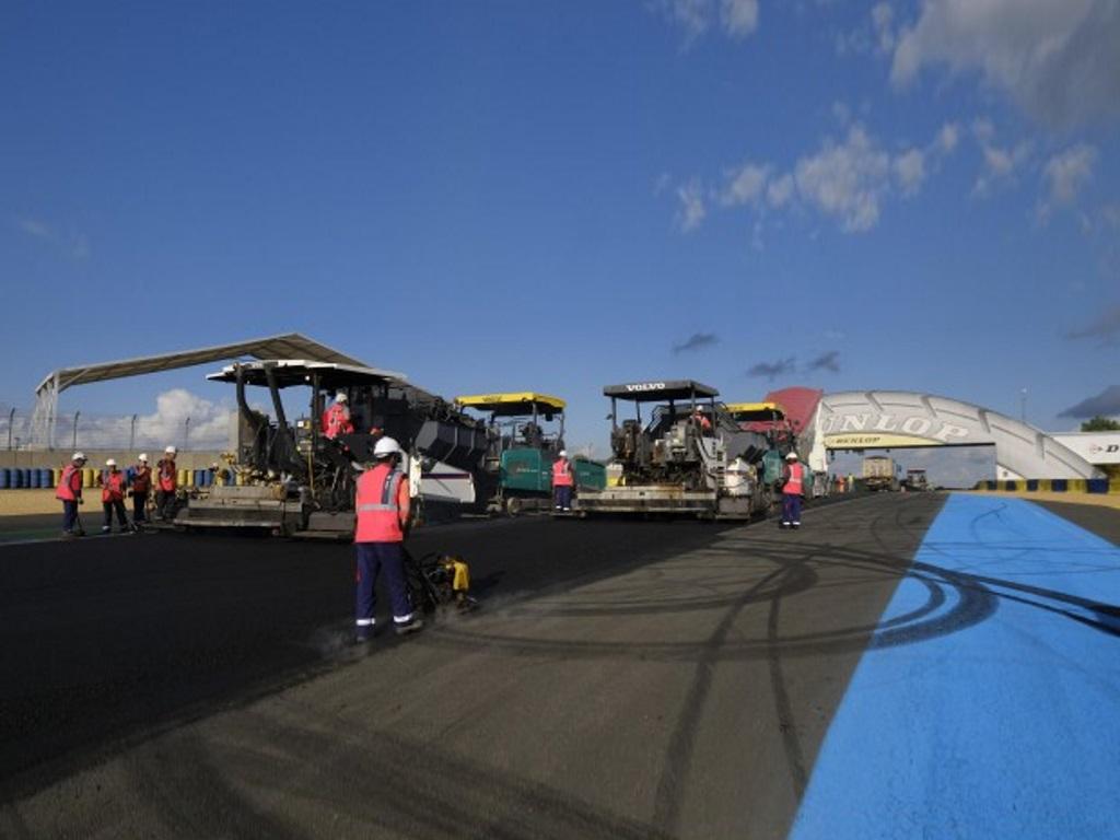 A new track for all the Bugatti